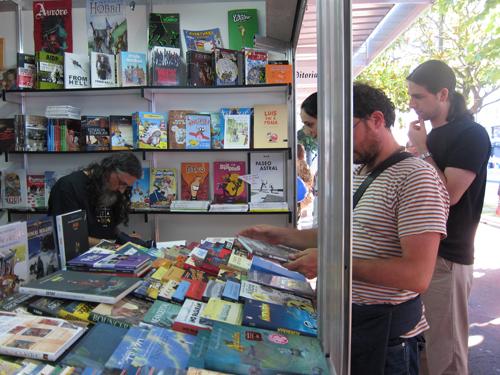 Max na caseta de Komic Librería na Feira do Libro de A Coruña
