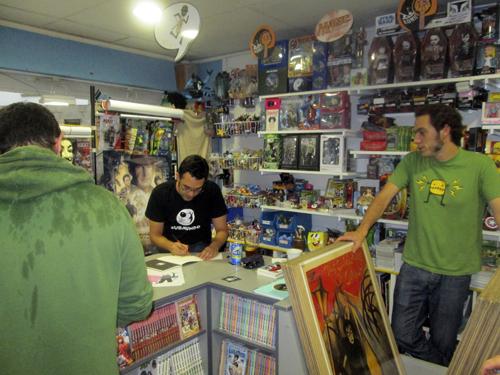 Presentación de Operario en Komic Librería
