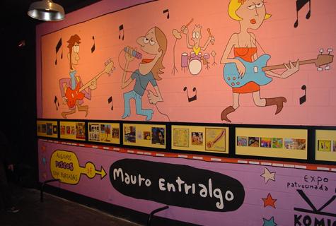 Exposición de portadas de discos deseñadas por Mauro Entrialgo